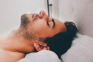 Ako zvýšiť mužskú potenciu v lete? Skúste bylinky, chilli, cvičenie, spánok aj tabletky